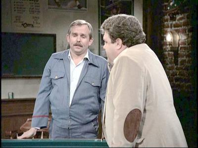 ratzenberger_as_cliff_clavin_in_cheers.jpg