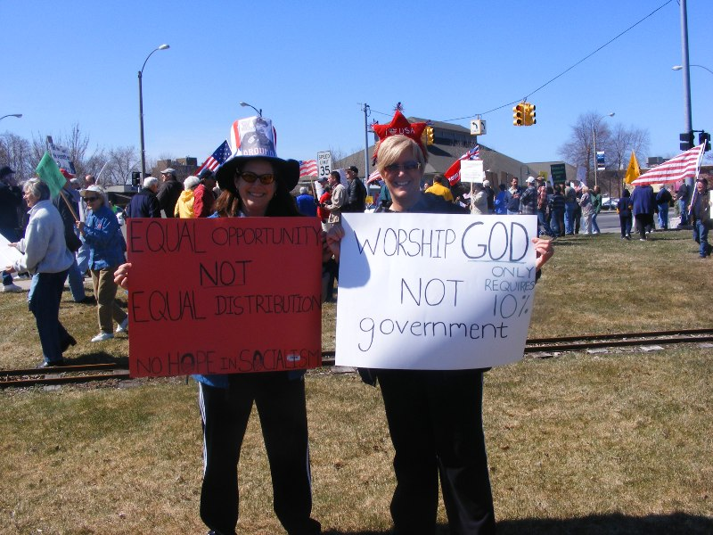 Traverse City Tea Party 003_1.jpg
