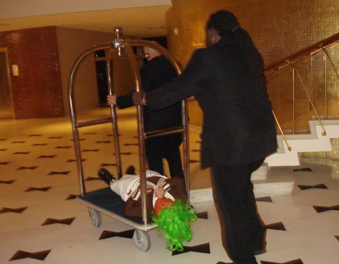 oompah_on_luggage_cart.jpg