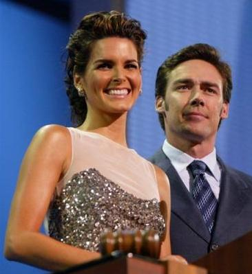 Actress Angie Harmon and her husband NFL player Jason Sehorn address the delegates during the Republican National Convention in New York, Monday, Aug. 30, 2004. (AP Photo/Joe Cavaretta)