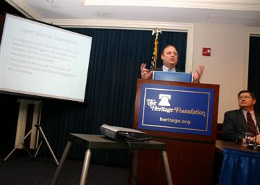 kevin_lecturing__at_blog_forum.jpg