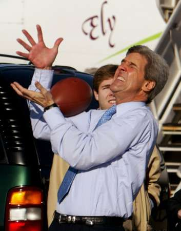kerry-catching-football