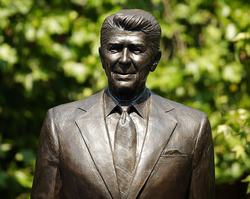 reagan-statue-london