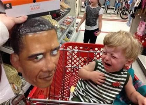 kid-scared-of-obama-mask