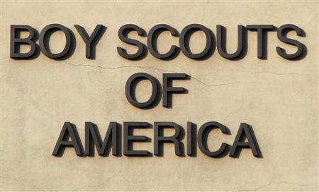 2013-01-28T200816Z_1_CBRE90R1FTK00_RTROPTP_2_USA-BOYSCOUTS-ABUSE