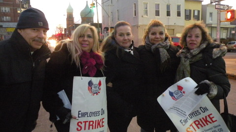 Striking+bus+drivers+and+matrons+in+East+New+York