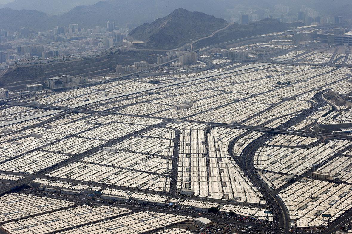 hajj-mecca-tents